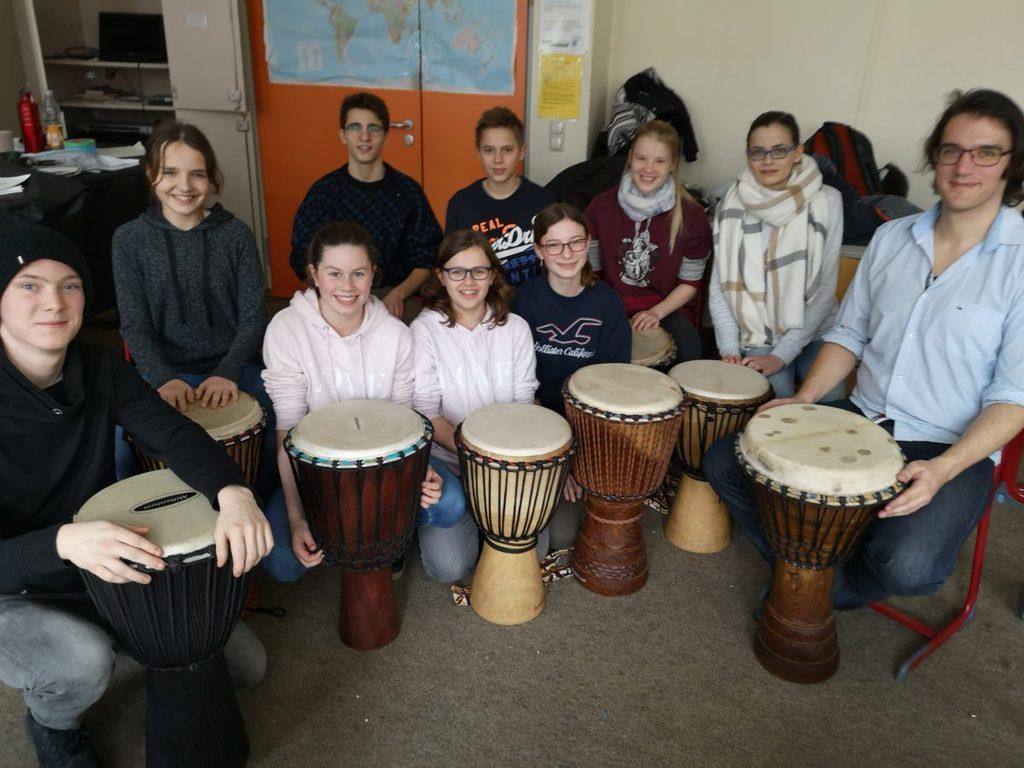 Trommelworkshop: die Teilnehmenden