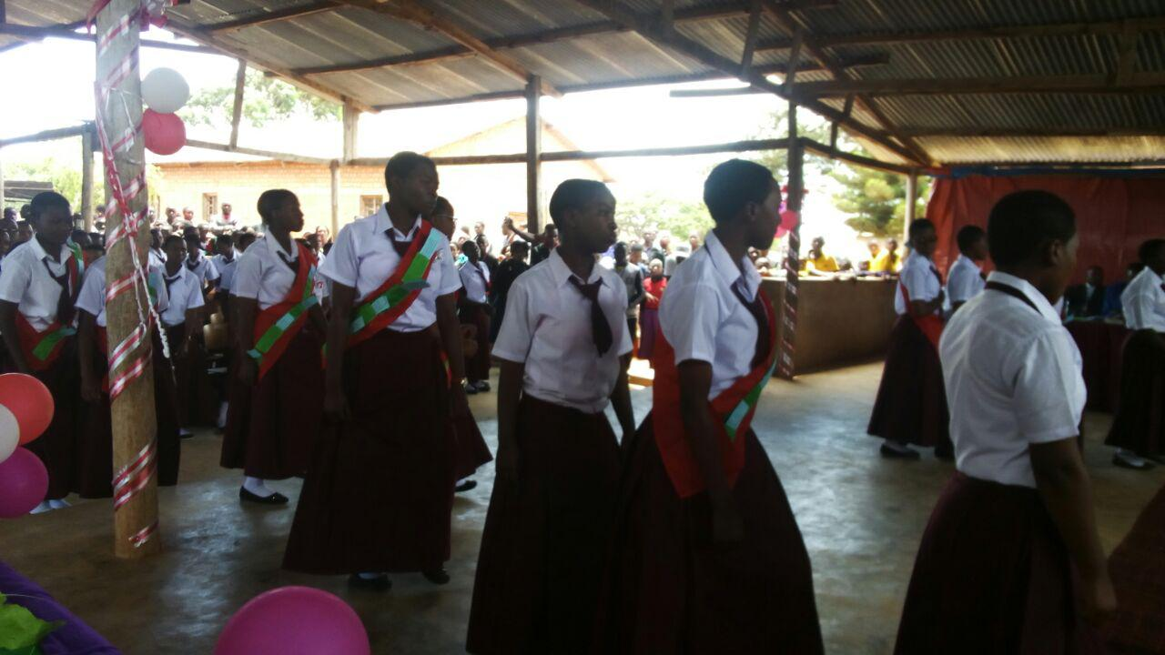 Abschlussfeier für die Form IV Schülerinnen in Emmaberg