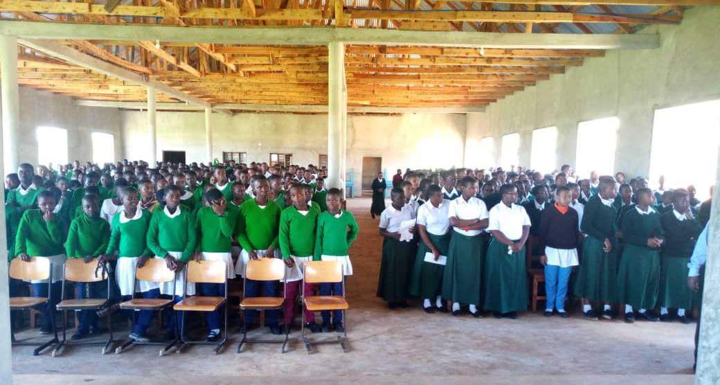 Besuch der Ilembula Secondary School in Emmaberg
